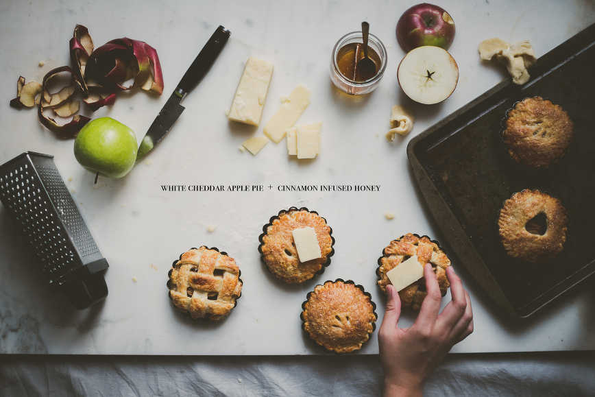 White Cheddar Apple Pie | bettysliu.com